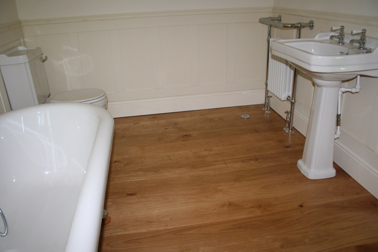 Bathroom floor boards - Image 2